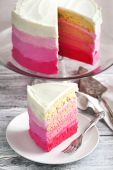 Vanilla Cake in Pink Ombre — Stock Photo