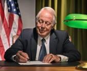 Président de grand patron écrit derrière le bureau avec le drapeau américain dans la — Photo