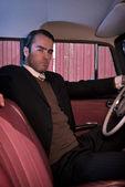 Retro 60s kravat sittin ile iş adamı giyen gri takım elbise moda — Stok fotoğraf