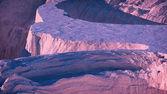 Antena zima śnieg góra landcape na zachodzie słońca. — Zdjęcie stockowe