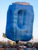 Gallon hot air balloon — Stock Photo