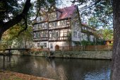 Old house on the river, Erfurt, Germany — Stok fotoğraf