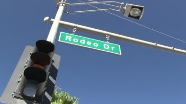 Rodeo drive — Stockvideo