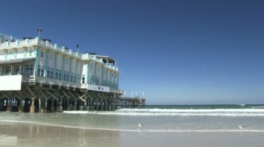 The iconic Daytona Beach Pier — Stok video