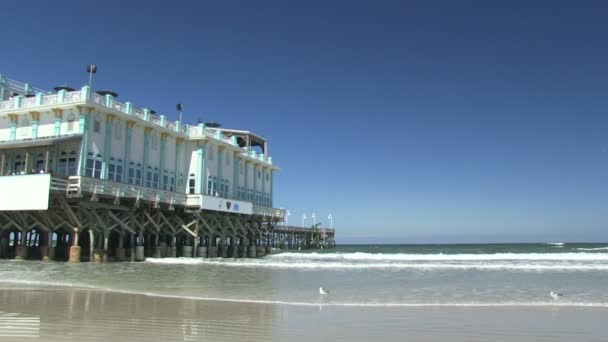 The iconic Daytona Beach Pier — Vídeo de stock