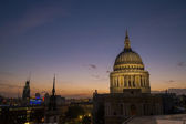 View on St Paul's cathedral at dusk — Foto Stock