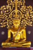 Buddha at main altar of Wat Phu Prow — Stock Photo
