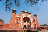 AGRA, INDIA - JAN 10: Getway of Taj Mahal Mousoleum in Agra on J — Stock Photo