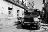 HAVANA - FEBRUARY 17: Classic school bus on streets of Havana on — Stock Photo