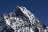 Machhapuchchhre mountain - Fish Tail in English is a mountain in — Foto Stock