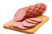 Sliced smoked sausage — Stockfoto