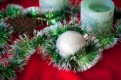 Christmas ball and garland — Foto de Stock