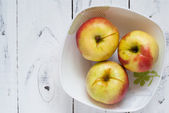 Some apples in the plate — Foto Stock