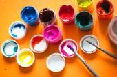 Varias latas de pintura — Foto de Stock