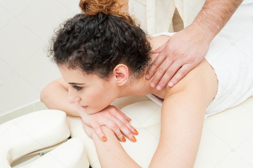 Красивые девушки и массаж фото 458-952