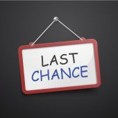 Last chance hanging sign  — Stock Vector