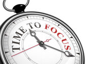 Time to focus concept clock — Stock Vector