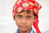 Sikh boy visiting the Golden Temple in Amritsar, Punjab, India. — Stock Photo