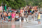 Haad Rin beach during the Full Moon party in island Koh Phangan, Thailand — Stock Photo