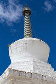White stupa in Tiksey monastery. Ladakh, India.  — Stock fotografie