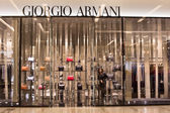Front view of Giorgio Armani store in Siam Paragon Mall. Bangkok, Thailand. — Stock Photo