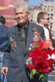 World War II veterans on parade in Kiev, Ukraine — Stock Photo