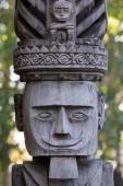 Traditional wooden sculpture in the temple in Ubud, Bali, Indonesia — Stock Photo
