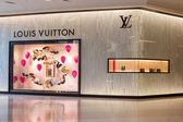 Louis Vuitton store in Siam Paragon Mall in Bangkok, Thailand. — Stock Photo
