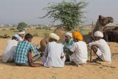 Indian nomad attended the annual Pushkar Camel Mela — Stock Photo