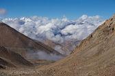 Himalayan landscape along Manali Leh highway. India  — Stock Photo