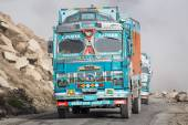 Truck on the high altitude Manali - Leh road , India  — Stock Photo