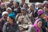 Tibetan Buddhist old people in the monastery of Lamayuru, Ladakh, India — Stock Photo