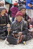 Tibetan Buddhist old women in the monastery of Lamayuru, Ladakh, India — Stock Photo