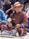 Tibetan Buddhist old men in Hemis monastery. Ladakh, North India — Stock Photo