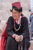 Tibetan Buddhist old women in Hemis monastery. Ladakh, North India — Stock Photo