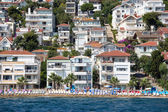 View of Princes Islands of Kinaliada hillside with luxury residential housing on coast, Turkey — Stock Photo