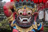 Traditional Balinese God statue in temple. Indonesia — Stock Photo