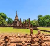 Parque histórico de si satchanalai na cidade velha — Fotografia Stock