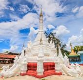 Pagoda and stupa Inle lake — Stok fotoğraf