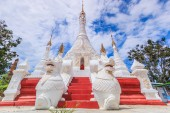 Pagoda and stupa Inle lake — Stockfoto