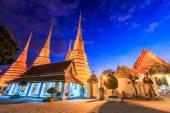 Sunset twilight Buddhist temple — Stock Photo