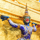 Warrior statue in Wat Phra Kaeo — Stockfoto