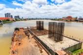 Concrete bridge  across  Chao Phraya River — Stock Photo