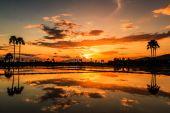 Prachtige landschap bij zonsondergang — Stockfoto