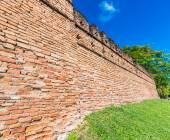 Ancient wall in Chiang Mai — Stock Photo