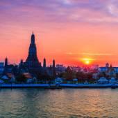 Wat Arun Ratchawararam Ratchawaramahawihan — Stock Photo