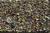 Love Padlocks at Pont des Arts of Paris — Stock Photo