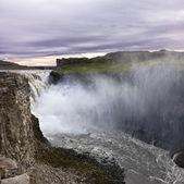 Bir şelale İzlanda'nın ünlü dettifoss olduğunu — Stok fotoğraf