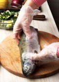 マスをレモンと魚を料理. — ストック写真