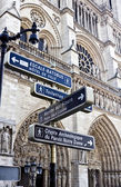 Signpost in Paris. — 图库照片